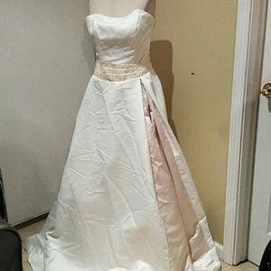 Lebon wedding gown